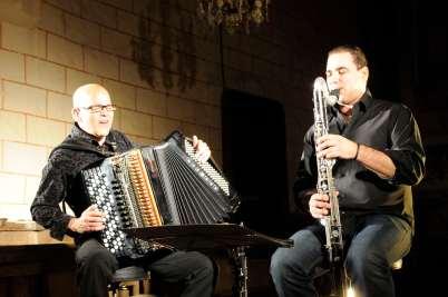 SARTHE Concert de Daniel Mille dans l'église de Beaumont-Pied-de-Boeuf