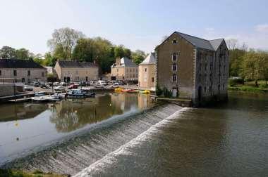 SARTHE La Sarthe à Malicorne, au port