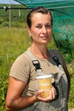 ALPES DE HAUTE PROVENCE Rando-bistrot autour d'Ongles Rencontre avec une apicultrice, Karine Maugé