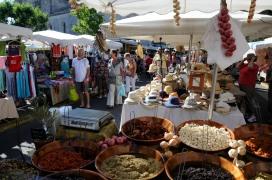 ALPES DE HAUTE PROVENCE Marché de Forcalquier