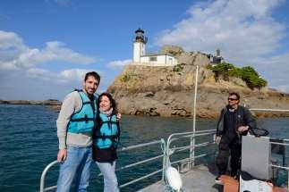 Iles secretes du Finistère Ile Louet, au large de Carantec Un couple d'amoureux revient d'une nuit dans l'île