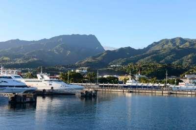Polynésie Française Vue du port de Papeete depuis le catamaran Terevau qui va à Moorea