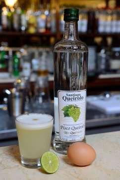 PEROU - Lima Taverne Queirolo, dans le quartier Pueblo Libre Pisco sour