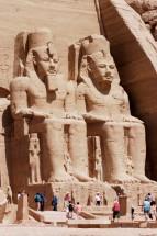 EGYPTE - La basse Nubie Abou-Simbel Temple du Soleil de Ramsès II Ramsès II assis