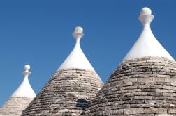 ITALIE - Pouille - Locorotondo Toits de trulli