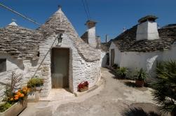 ITALIE - Pouille - Alberobello Trullo