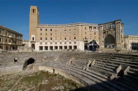 ITALIE - Pouille - Lecce Amphithéâtre romain piazza Sant'Oronzo
