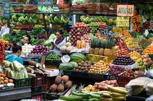 """COLOMBIE - Bogota Marché aux fleurs et aux fruits """"Paloquemao"""""""
