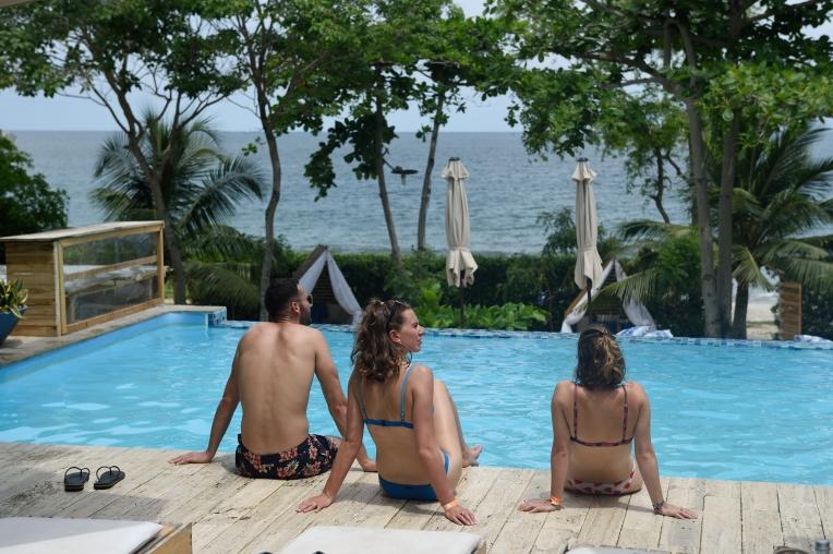 COLOMBIE - Carthagène Excursion aux îles du Rosaire Ile Bomba, au Blue hotel