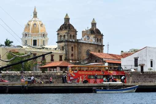 COLOMBIE - Carthagène Vue depuis la baie de la cathédrale et de l'église San Pedro
