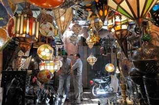 MAROC - Marrakech Au souk
