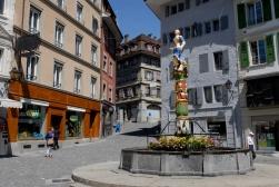 SUISSE Lausanne Place de la Palud, avec fontaine de la Justice