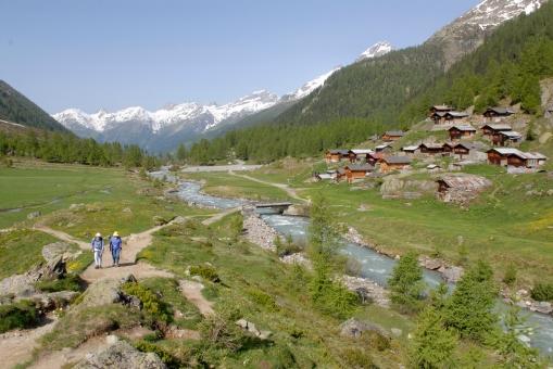 SUISSE Valais - Lötschental Sentier partant de Fafleralp et amenant vers le glacier de Langgletscher