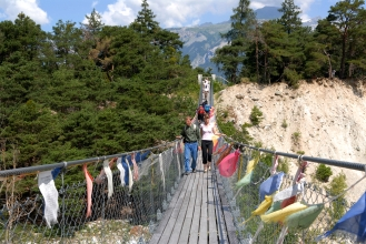 SUISSE - Valais Forêt de Finges Passerelle bhoutanaise vers Leuk