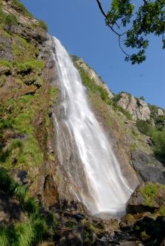SUISSE - Valais Vers Martigny Cascade de la Pissevache, vers les gorges du Trient