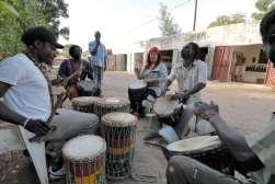 SENEGAL Sine Saloum Musiciens à N'Gangane