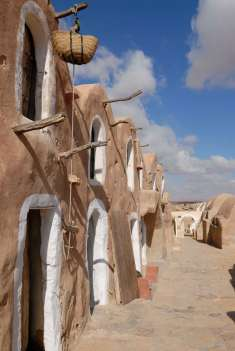 TUNISIE Ksar Hadada, ancien hôtel, qui a servi de cadre à des scènes de Star Wars, à Chenini
