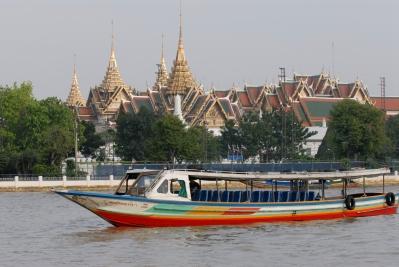 THAÏLANDE Bangkok En bateau sur la Chao Phraya