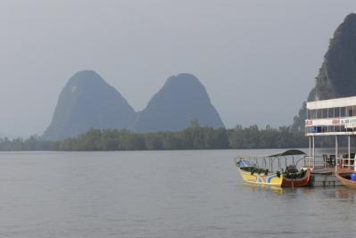 THAÏLANDE Baie de Phang Nga Canotage autour et sous les pitons-ilôts