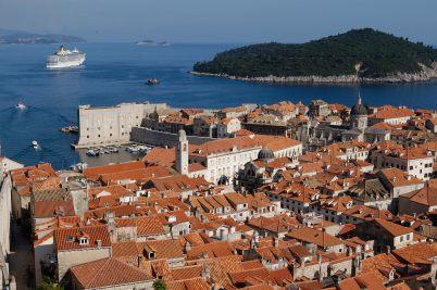 CROATIE - Dubrovnik Vieille ville vue des remparts