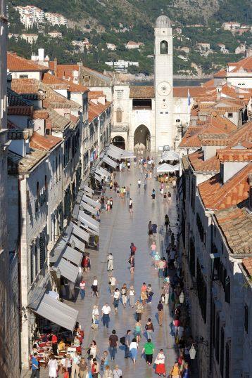 CROATIE - Dubrovnik Le Stradun, vu des remparts