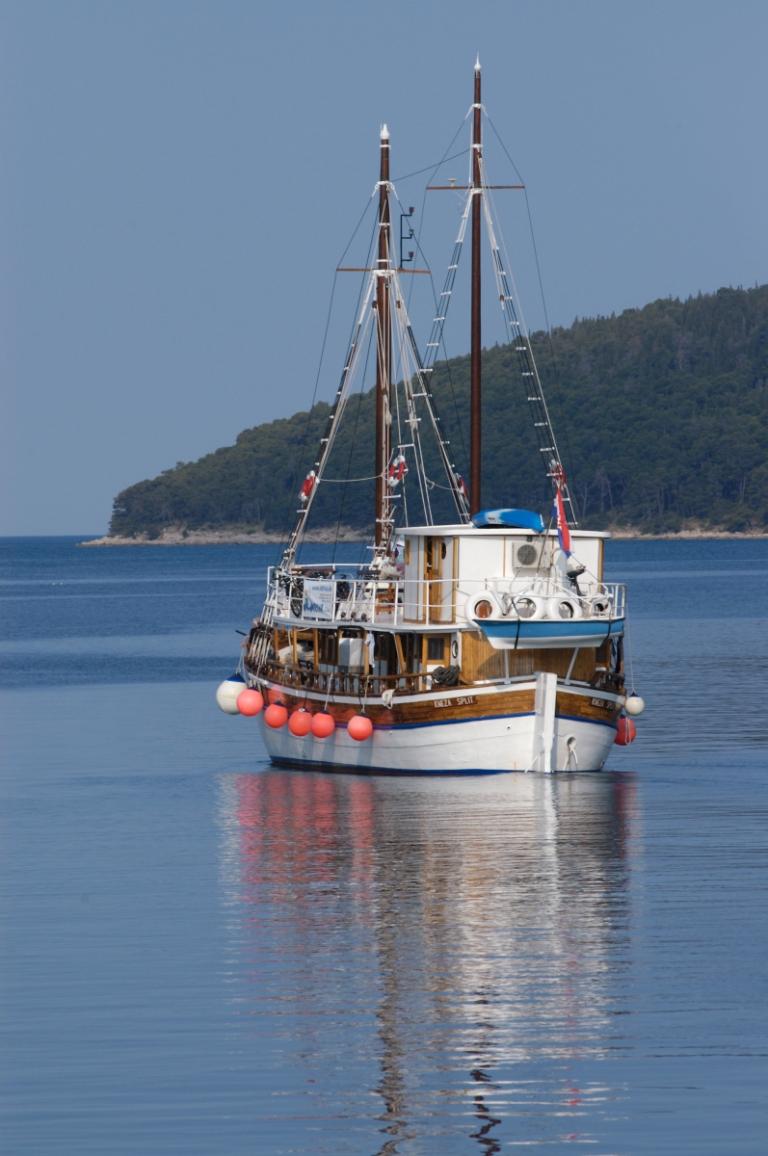 CROATIEGoélette le long de la côte dalmate