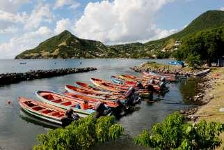 MARTINIQUE Anses du Sud-Ouest Port vers Petite Anse