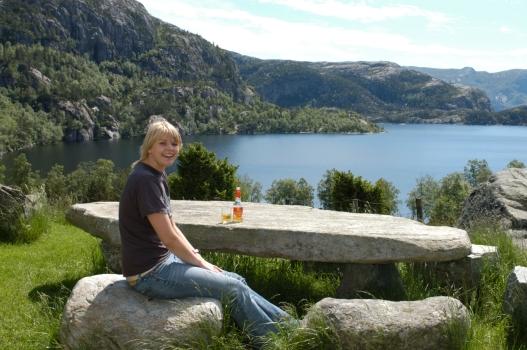 NORVEGE Norvégienne travaillant au Preikestolhytta
