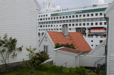 NORVEGE Les bateaux de croisière sont accolés à la vieille ville de Stavanger