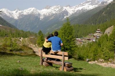 SUISSE Valais - Lötschental Paysage vu depuis le sentier partant de Fafleralp et allant vers le glacier de Langgletscher