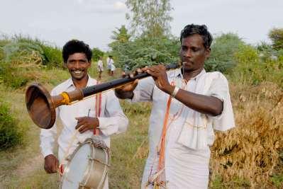 INDE du SUD Musiciens lors d'une cérémonie de funérailles chrétiennes vers Tanjore