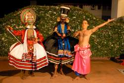 INDE du SUD Kerala Cochin Hôtel Casino Représentation de Kathakali