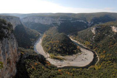 ARDECHE Gorge de l'Ardèche vers Labastide de Virac