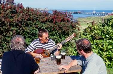 ECOSSE - Islay A l'extérieur d'un pub