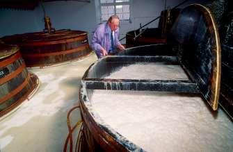 ECOSSE Cuve de fermentation à la distillerie Speyburn