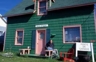 CANADA Nouveau-Brunswick Vente de garage à Caraquet