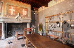 ITALIE - Val d'Aoste Salle d'armes du château d'Issogne