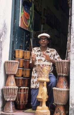 BRESIL - Salvador Da Bahia Bira Reis, musicien établi dans le Pelourinho