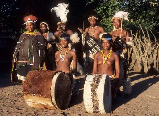 AFRIQUE du SUD Troupe folklorique à Dumazulu