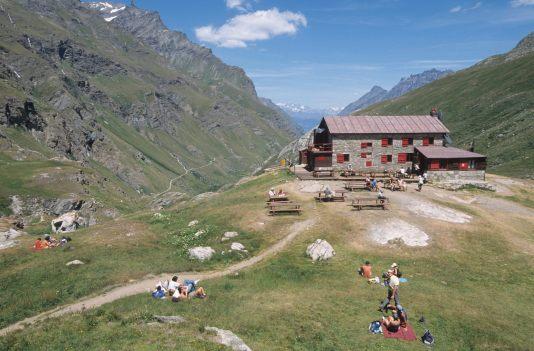 ITALIE - Val d'Aoste Val de Rhêmes : refuge Benevolo (2285 m)