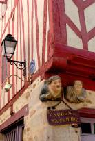 MORBIHAN Golfe du Morbihan Vannes Vannes et sa femme, rue St-Vincent