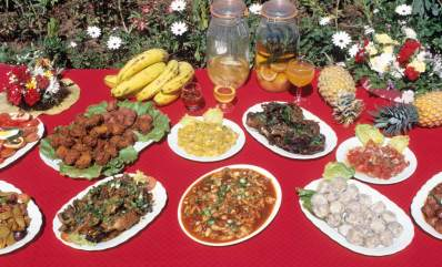 LA REUNION Plats de la gastronomie créole à l'Auberge du Piton Fougère