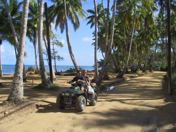 LA REPUBLIQUE DOMINICAINE Péninsule de Samana Quad à Playa Ballenas