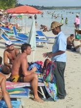 LA REPUBLIQUE DOMINICAINE Boca Chica Vendeur sur la plage