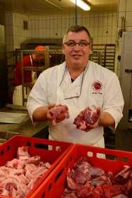 ALSACE Chez Michel Burg, charcutier à Marlenheim Michel Burg montre les deux sortes de viande, porc et boeuf
