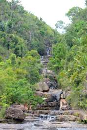 MADAGASCAR La cascade des Bons Pères, à Ambobaka