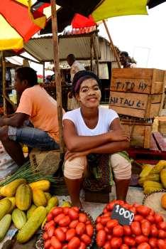 MADAGASCAR - Nosy Be Marché extérieur d'Hell-Ville