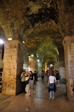 CROATIE - Split Passage à l'intérieur du palais de Dioclétien