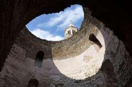 CROATIE - Split Vue depuis l'intérieur du palais de Dioclétien
