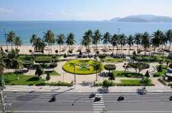 VIETNAM - Nha Trang Promenade du front de mer